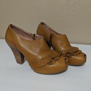 Anthro Miss Albright Brown Ruffle Shooties - 6.5